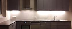 AJ Schrijnwerkerij - Keukens en keukentabletten
